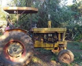 Tractor Agrícola más 4 carros
