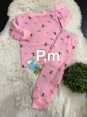 Pijamas para adultos y niños