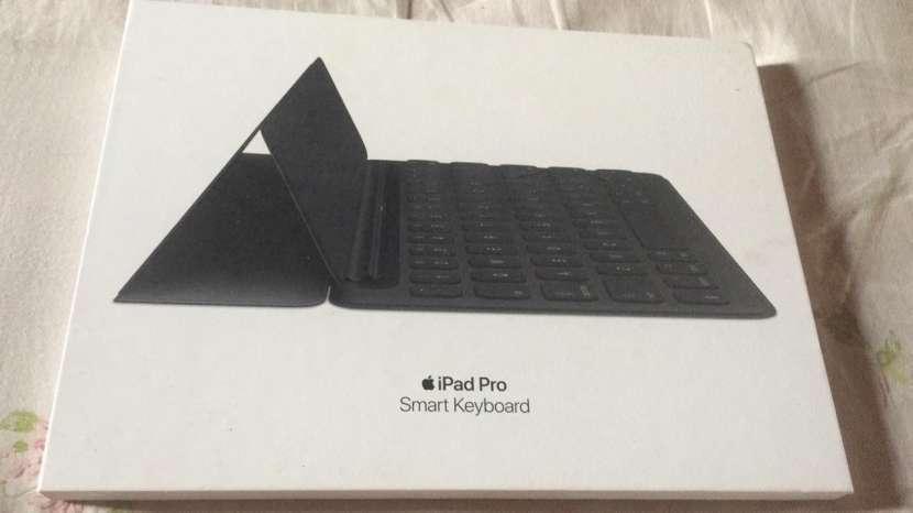 Smart Keyboard de Apple - Teclado - 0