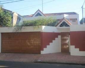 Casa en barrio bella vista