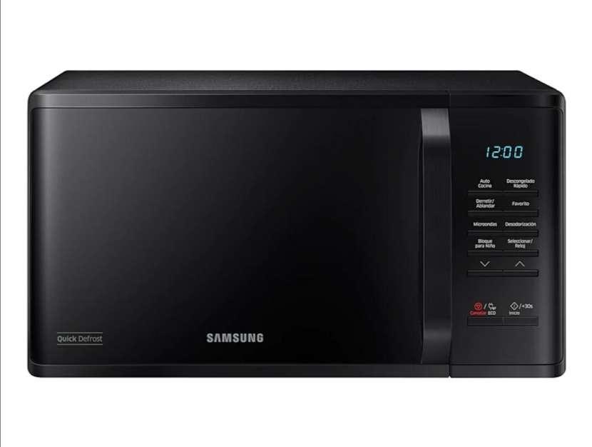 Microondas Samsung 23L Black Edition - 0