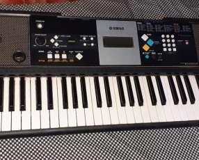Teclado Yamaha PSR-E223