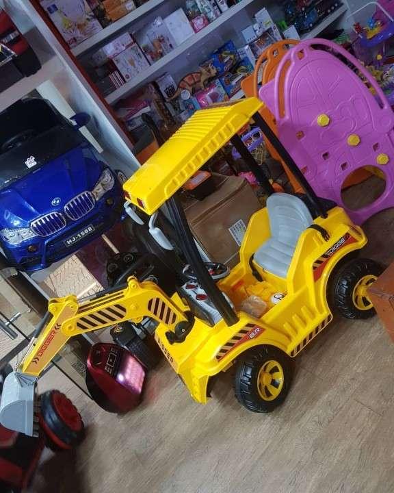 Tractor a Batería escavadora - 1