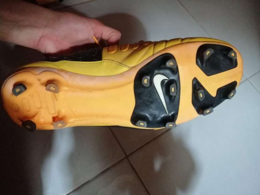 Botín Nike calce 44 - 2