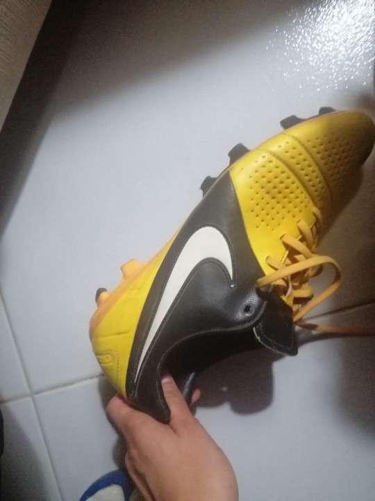 Botín Nike calce 44 - 5