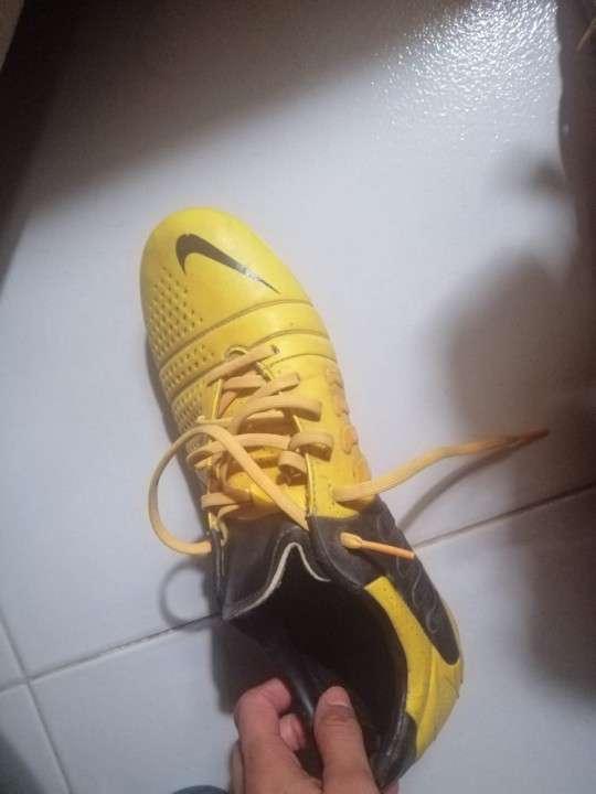 Botín Nike calce 44 - 3