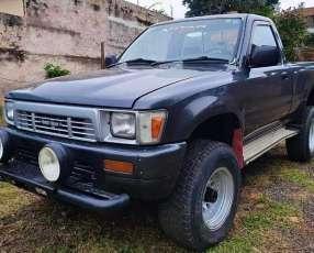 Toyota Hilux 1992 diésel 4x4