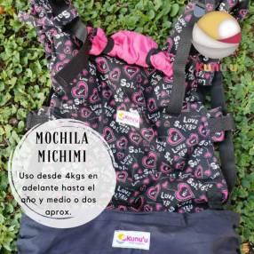 Portabebé mochila ergonómica Michimi negra estampada