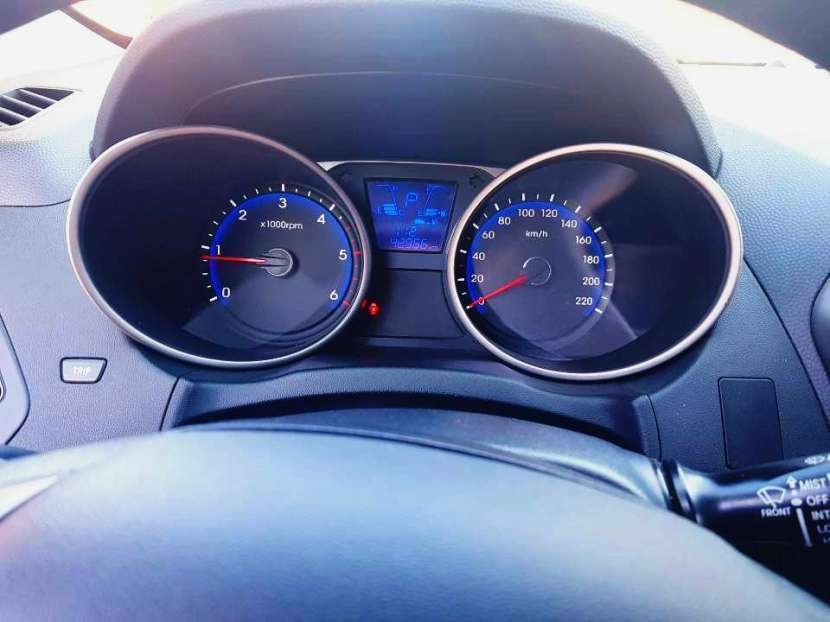 Hyundai Tucson 2015 motor turbo diésel automático 4x4 - 8