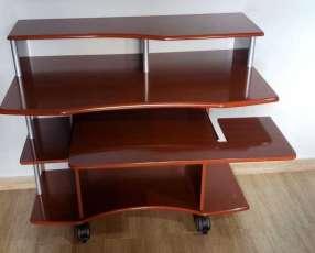 Mesa para computadora de melamina