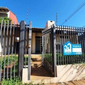 Casa en barrio Tembetary