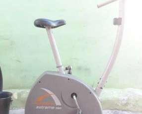 Bicicleta estática Athletic para 150 kilos