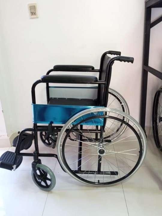 Silla de ruedas estándar - 0