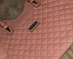 Cartera Chenson color salmón