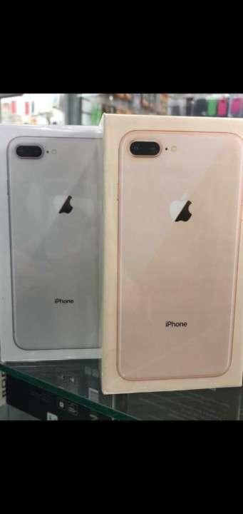 iPhone 8 Plus 64 gb - 0