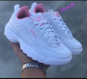Calzados Nike y Fila