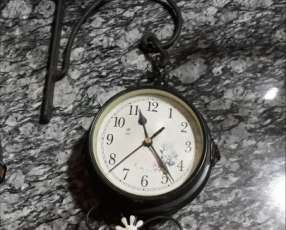 Reloj a pila doble cara