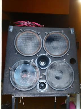 Bafles, consola de 8 canales STEREO, amplicador de 600