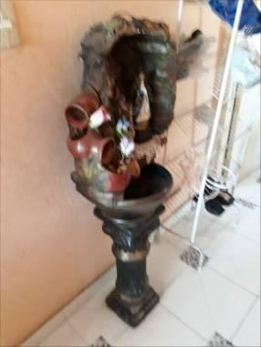 Virgen con cascada