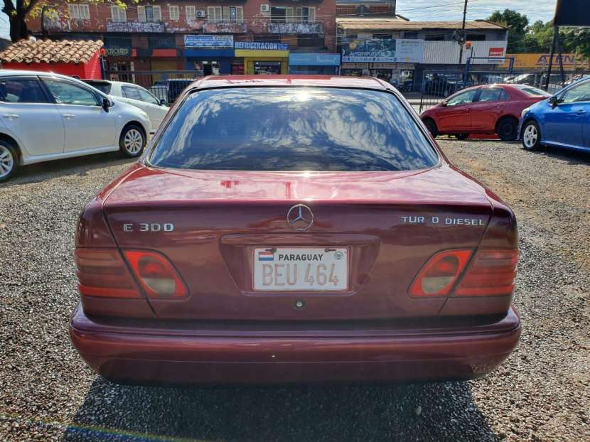 Mercedes Benz E300 1999 - 4