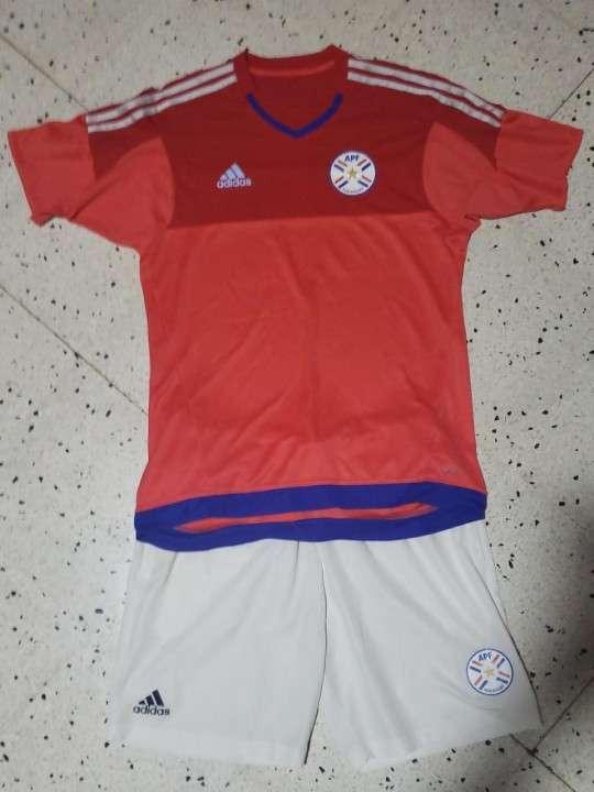 Indumentarias de la Selección Paraguaya semi nuevas - 8