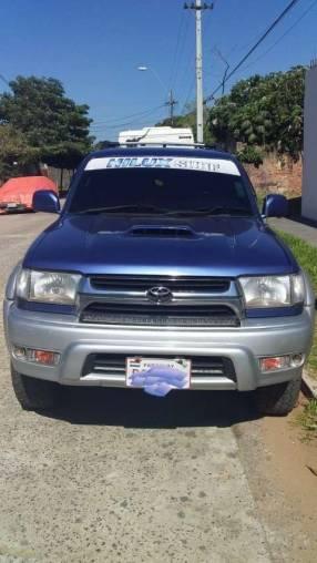 Toyota Hilux Surf 2000