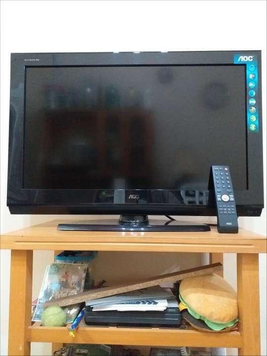 TV LED AOC de 32 pulgadas - 1