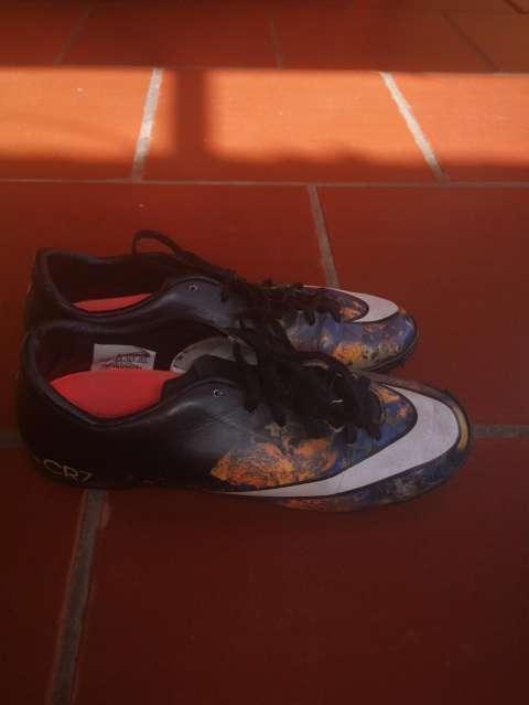 Botín Nike Mercurial CR7 calce 37