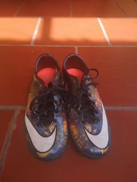 Botín Nike Mercurial CR7 calce 37 - 2