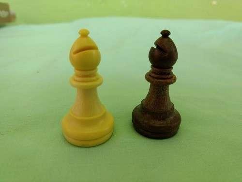 Juego de ajedrez y damas magnético de plástico - 7