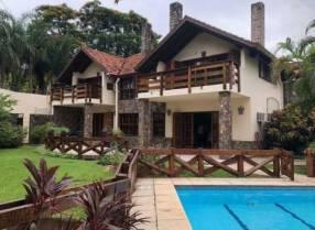 Casa estilo Alemana zona Club Centenario