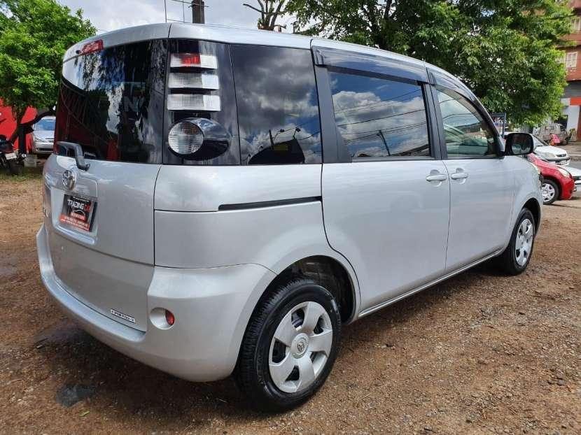 Toyota Sienta 2009 - 1