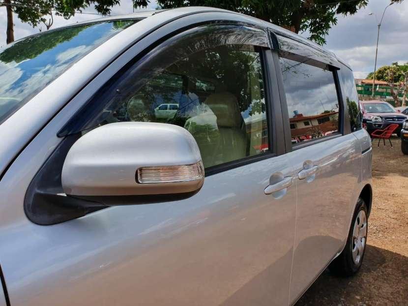 Toyota Sienta 2009 - 2