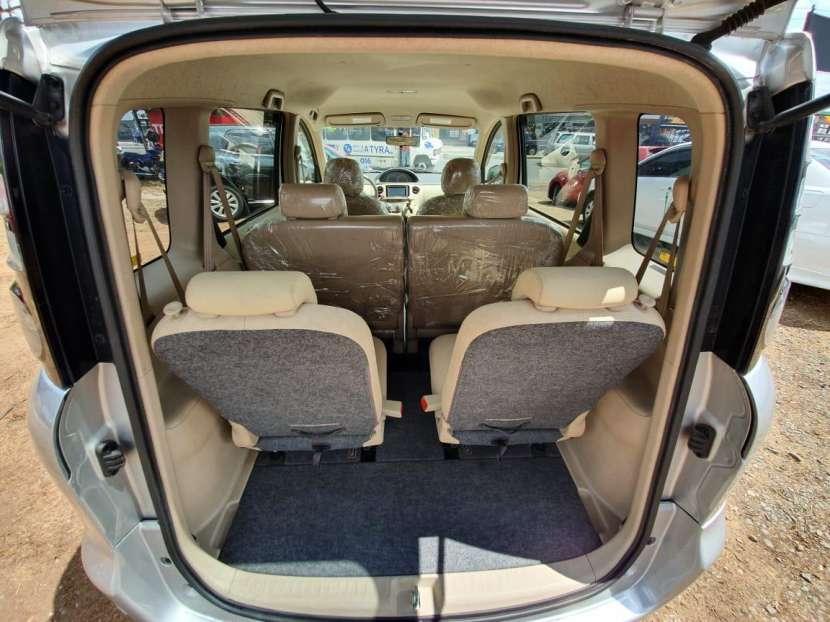 Toyota Sienta 2009 - 4