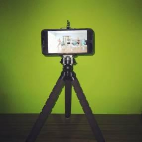 Trípode para celular y cámara fotográfica