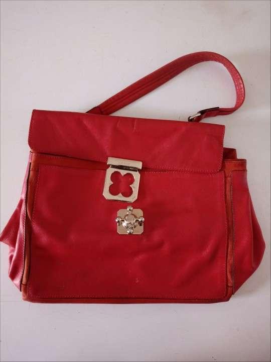 Dos carteras de color rojo - 0