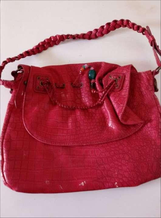 Dos carteras de color rojo - 1