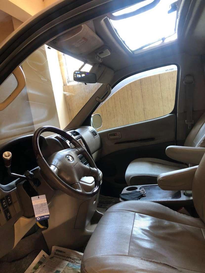 Toyota Grand Hiace 2000 - 5