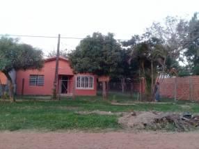 Casa en la ciudad de limpio barrio santa lucia