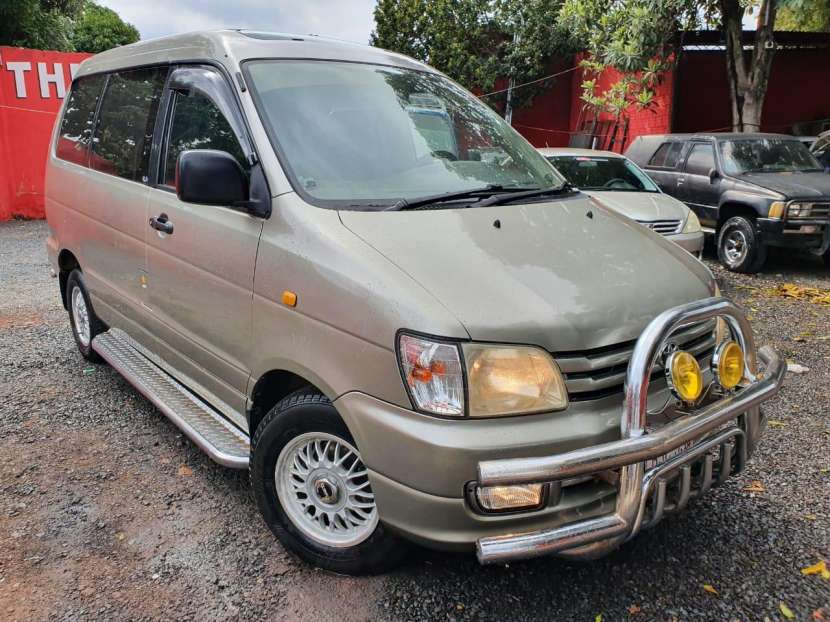 Toyota noah 1998 - 6