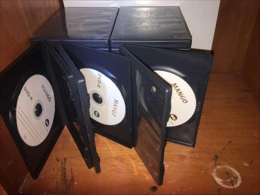 Caja Para DVD/CD con DVD Incluido - 3