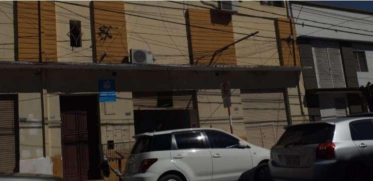 Salones comerciales y departamentos Barrio Catedral - 0