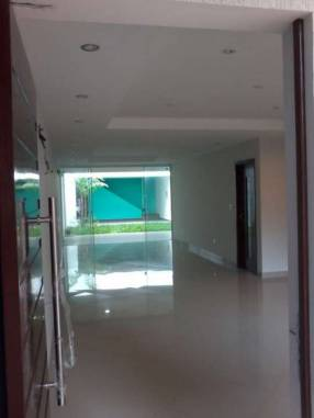 Duplex premium en barrio mburucuya
