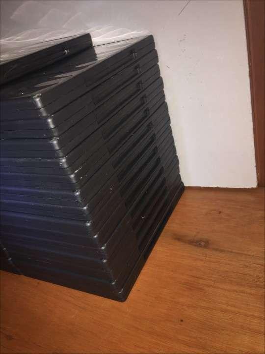 Caja Para DVD/CD con DVD Incluido - 2