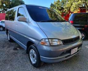 Toyota gran via 1997