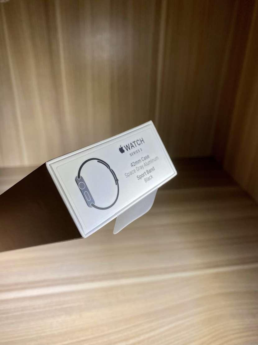 Apple Watch serie 3 de 42mm - 1