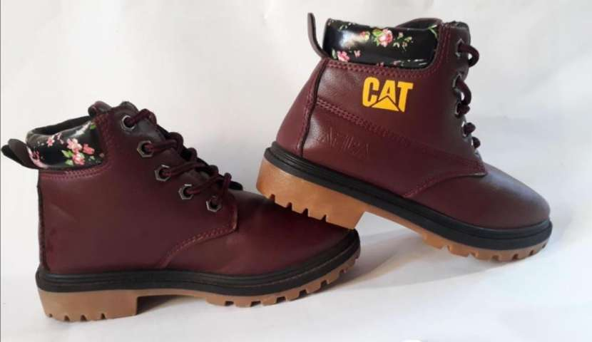 Botas CAT - 5