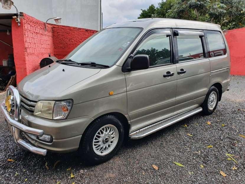 Toyota Noah 1998 - 8
