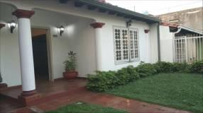 Casa de 1 dormitorio zona Mburicaó