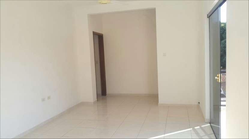 Departamento de 2 dormitorios zona Lambaré - 1